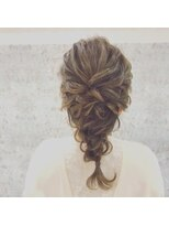 ルゥーダ ヘアアンドビューティー(Rouxda' hair&beauty)編みおろしスタイル
