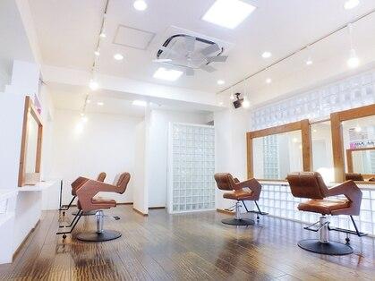 カパコ サロン(CUPECO Salon)の写真