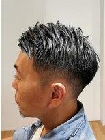刈り上げ短髪フェード風スタイル