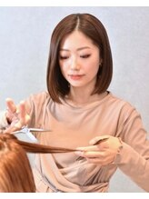【stylist】RIKA [歴] 10年[得意な施術/デザイン]カット.似合わせカラー.トレンドハイライト.ヘッドスパ