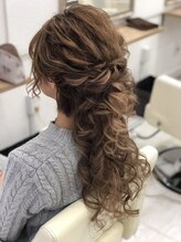 ヘアメイクスタジオ ミグ(Hair make studio mig)お呼ばれハーフアップ