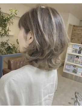 ヘアアンドメイクフリッシュ(HAIR&MAKE FRISCH)ショートウルフ