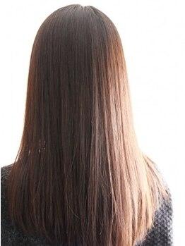 ヘアーガーデンニコモカ(Hair Garden NICOMOCA)の写真/諦めていた髪のお悩みも、髪の内側から補修し、毛先まで潤う髪質へ―指どおり滑らかな、うる艶髪が叶う♪