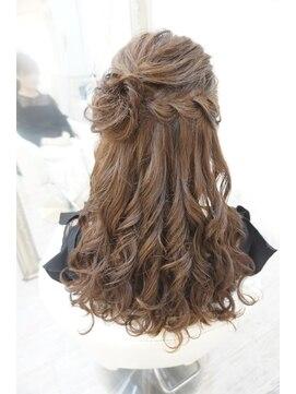 ヘアアンドメイクジップ恵比寿 (Hair&Make ZIP)コサージュハーフアップ