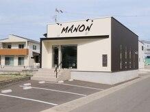 マノン(MANON)の雰囲気(~salon image~外観☆駐車場がサロンの目の前で雨の日も安心♪)