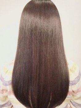 美髪クリニック ギンザ プライム 銀座店(GINZA prime)の写真/究極の美髪*高濃度美容成分25倍/50種類以上の美容成分が髪内部へ浸透。驚きの艶の髪質改善。[銀座/東銀座]