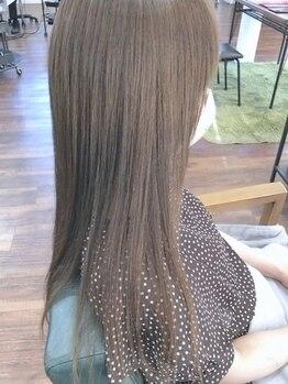 レジスタヘアーワークス (REGISTA hair works)の写真/【オリジナルシャンプー開発】サロントリートメント+自宅ケアでダメージを改善!理想のカラーが長持ち♪