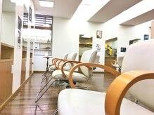フェアレディ 仙川店(FAIR LADY)の雰囲気(ウッドベース×ホワイトを基調としたアットホームな店内です♪)