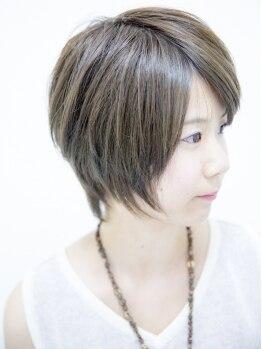 verの写真/傷まないカットで柔らかい質感に!レザーカットが◎髪質・骨格・顔のパーツバランスを見極めて髪型をご提案!
