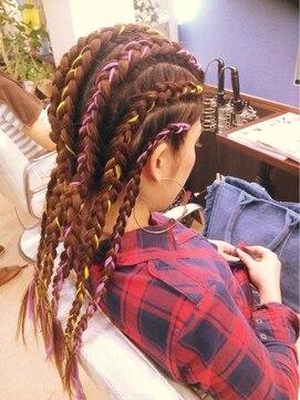 ヒクウテイ ヘアアンド メイク(HIKUTE hair & make)コーンロウ風オールバック