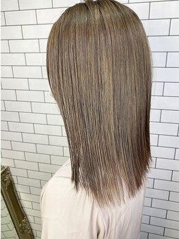 ルーナヘアー(LUNA hair)の写真/最高級【Aujua】使用のヘッドスパで髪も身体も癒されて♪頭皮クレンジング&血行促進で、土台から髪質改善!
