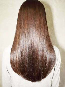 インデックスヘアー 亀戸店の写真/まっすぐ~ナチュラルまで『潤い縮毛矯正』が大人気☆ダメージレスな艶髪で風に揺れる柔らか質感に【亀戸】