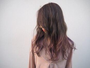 キュビズムラボ(CuBism Lab)の写真/人気の外国人風ならCuBism Labにおまかせ♪赤みを抑えた透明感のあるツヤ髪に!