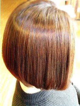 アンバー ヘアー クリエイト(Amber Hair Create)の写真/あなたの髪質に合わせた施術で艶髪ストレートに!髪に負担をかけないダメージレス縮毛矯正が大人気◎