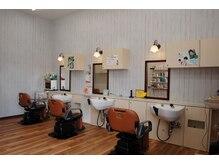 ジョイ美容室 ガーデン(GarDen)の雰囲気(ゆったりとして動かずにシャンプー出来るセットイスを使用)
