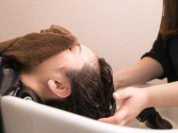 ヘアーサロン パリイン(HAIR SALON PARIIN)の写真/乾燥で気になる頭皮と髪を同時にケア!頭皮&美髪ケアでプチ贅沢な癒やしの時間を体験♪