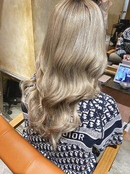"""ユニーク(UniQ)の写真/ロングにしたい女性必見♪岡山ではUniQ系列のみ取り扱い。秀逸の最上級AAA""""バージンレミー毛""""を使用!"""