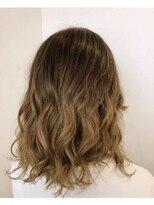 ヘアーグルーミング アイム(Hair &Grooming aim)【レディースカット】ゆるふわミディアム&バレイヤージュ