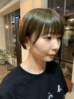 ヘアー アイス カンナ(HAIR ICI Canna)カーキカラー×パッツン前髪×コンパクトショート