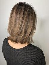 ジャイロヘア(gyro hair)レイヤーボブ