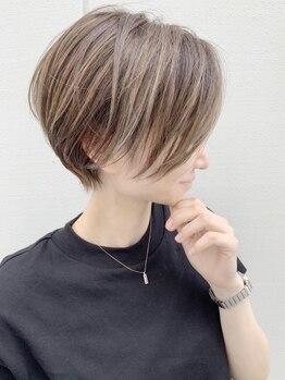 ルーファス 恵比寿 渋谷(Ruufus)の写真/白髪を活かす技術で脱白髪染め◎ハイライトで白髪を目立たせず、透明感ある仕上がりに [恵比寿/渋谷]