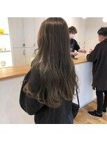 ルッツ(Lutz. hair design)gray