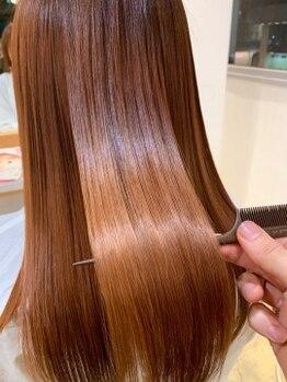 """ディフィー 梅田(Defi)の写真/とびきりキレイな髪になる。本格的なダメージ補修ができる""""ハホニコトリートメント""""が根強い人気◎"""