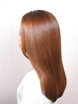 ボンドヘアー(Bond Hair)の写真/【Aujuaソムリエ在籍salon】ヘアケアのスペシャリストが、大人女性の髪の傷み・クセ毛の悩みを改善♪