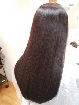 エストヘアーノエル 川崎店(est hair Noel)の写真/《カット+縮毛矯正+アミノ酸Tr¥9000》ダメージレスを第一に考えたまっすぐ過ぎない自然なストレートへ♪