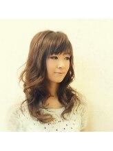 ヘアーメイク ファルベプラム(Hairmake farbe Plum)柔らか巻き髪スタイル