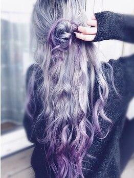ヘアー ジップ(hair Zip)の写真/傷みにくいカラー剤を採用!ファイバープレックス、ケアブリーチでダメージを大幅削減!綺麗な髪を叶えます♪