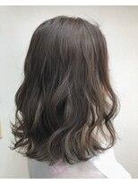 ヘアーアンドメイク ポッシュ 新宿店(HAIR&MAKE POSH)ナチュラルハイライトで透け感カラー