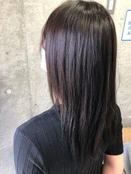ニュープレイス(NEWPLACE)の写真/強く傷んだ髪もしっかり補修、サラツヤ感UP!理想の美髪に導くTRもプチプラで!白髪染め/グレイカラーも◎