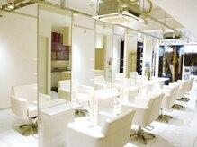 エクセルクレア 学芸大学店(Excel Clair)の雰囲気(白を基調として清潔感のあるサロンです。【学芸大学/自由が丘】)