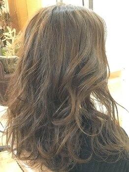 マルサンカクシカクプラスヘアー(〇△□+Hair.)の写真/【和める優しい空間】髪質/毛量/クセに合わせて似合うヘアをご提案!行き届いた心遣いで癒しのひと時を…♪