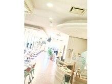 ゼンエポック 横手店(ZEN)の雰囲気(Aujuaサロンです。広い店内はゆっつくり8席)