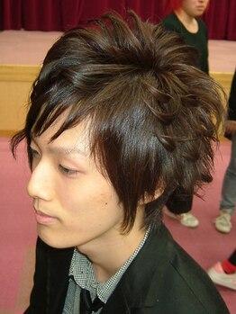 ヘアーサロン 小城(koshiro)の写真/確かな技術があるからこそ提案幅が広い!くせ毛や髪型の事でお悩みの方はご相談ください!