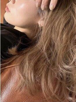 ロティバイトレンチ(loti by trench)の写真/オーガニック・イルミナ・HUEカラー《肌まで綺麗に魅せる魔法のカラー》柔らかな透明感&質感で女性らしさUP