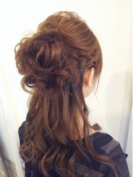 編み込みハーフアップアレンジ(結婚式の髪型)  編み込み☆後ろふんわりハーフアップ