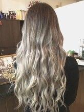 ヘアー ドレッシング ラビス(Hair Dressing Lovis)ホワイトグラデ#ホワイトグレーージュ