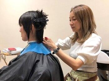 """トゥートゥー(twotwo)の写真/""""ちょうどいい""""美容室―寛ぎの贅沢空間でのマンツーマン施術。髪色も髪質も妥協せず、思い描いた理想へ。"""
