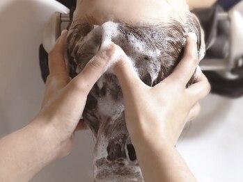 オーブ ヘアー ルージュ 江坂店(AUBE HAIR rouge)の写真/【当日予約OK!!】学校や仕事帰りにもおすすめ☆全身リラックスできる人気のヘッドスパで、癒しの時間を♪