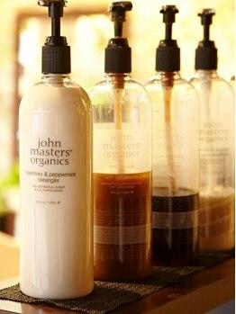 オーガニックサロン フェイス 梅田店(organic salon face)の写真/≪ジョンマスター×face≫髪に優しい天然由来成分を配合。つい触りたくなる、優しい質感の美髪へ…