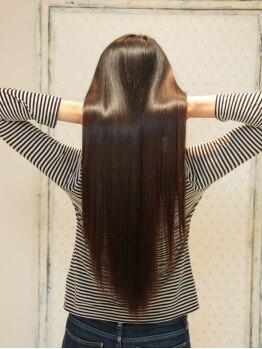ヘアークラニエル 毛髪補修クリニック(HAIR Cranial)の写真/【髪本来の美しいしなやかな髪へ】どんなクセ毛でも天使の輪を!繰り返す度に美しく艶のある髪に導きます。