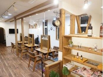 ネイム 本庄早稲田店(NAME)の写真/開放感あふれるプロヴァンス風のリラックス空間。カフェに行くような気軽さでリフレッシュ♪