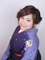 卒業式の袴のル~ズ編み込みアップスタイル画像
