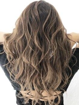ヘアーアンドビューティ クアトロ 赤塚店 水戸(HAIR&BEAUTY QUATRO)の写真/カラーのスペシャリスト【カラーリスト】におまかせ!トレンドを汲みながら美しい髪色を生み出します!