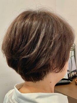 クロムヘアー(CHROME HAIR)の写真/オシャレ染め感覚で楽しめるグレイカラー♪ケアにこだわるCHROME HAIRなら、ダメージレスに綺麗が長持ち!