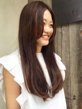 ヘアーサロン キナリ(hairsalon KINARI)の写真/長年の経験を培ってきたスタッフが選び抜いた、こだわり薬剤を使用!!仕上がりは、より綺麗で健康的な質感に