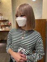 デコ(DECO)《RYUSEI》ブロンドカラー小顔切りっぱなしボブ髪質改善20代